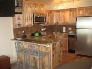 0407-kitchen-300x225.jpg
