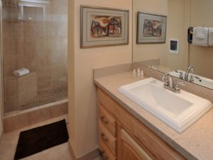 2Bedroom-BathVRCMountainResort-300x225.jpg