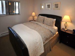 2Bedroom-VRCMountainResort-Bed3-300x225.jpg