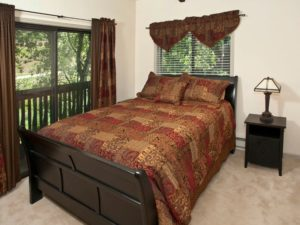 2Bedroom-VRCMountainResort-Bedroom1-300x225.jpg