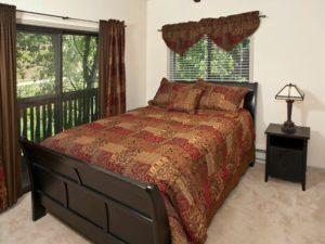 2Bedroom-VRCMountainResort-Bedroom1-300x225.jpg