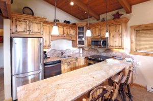 2Bedroom-VRCMountainResort-Kitchen2-300x199.jpg