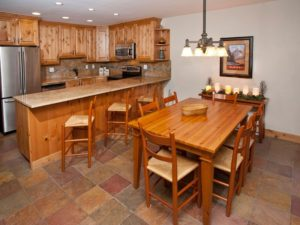 2Bedroom-VRCMountainResort-KitchenDining-300x225.jpg