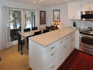 2Bedroom-VRCMountainResort-LivingKitchen2-300x225.jpg