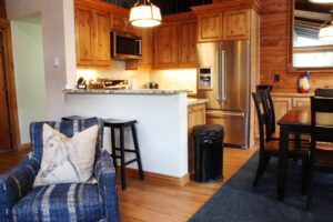 3BedroomCondo-VRCMountainResort-Kitchen1-300x200.jpg