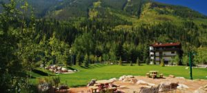 Vail-Racquet-Club-Mountain-Resort-Park-BBQ-Patio-1500x674-300x135.jpg