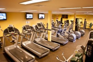 VailRacquetClub-FitnessRoom-Gym2-300x200.jpg
