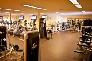 VailRacquetClub-FitnessRoom-Gym4-300x200.jpg