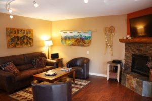 1212-living-room--300x200.jpg
