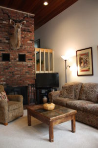 H3-sofa-3-200x300.jpg