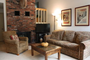 H3-sofa-300x200.jpg